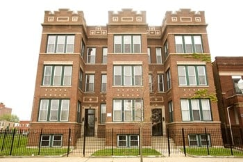 6107-6111 S St Lawrence Ave 1-2 Beds Apartment for Rent Photo Gallery 1