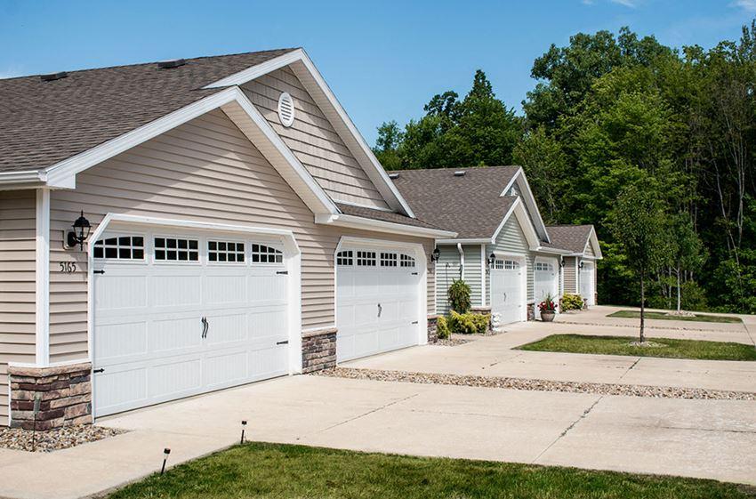 Grand Blanc MI Apartment Rentals Redwood Grand Blanc Exterior Attached Garage With Windows
