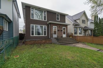 158 160 Polson Avenue 3 Beds Apartment for Rent Photo Gallery 1