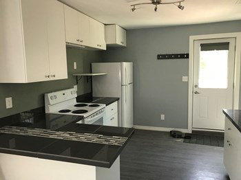 122 Hespeler Avenue 2 Beds House for Rent Photo Gallery 1