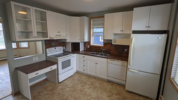 122 124 Machray Avenue 2-3 Beds Apartment for Rent Photo Gallery 1