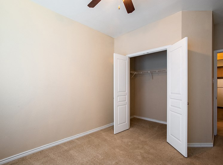 Apartment home unfurnished bedroom and closet