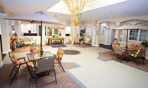 Social Gathering Lounge at Savannah Court & Cottage of Oviedo, Oviedo, Florida