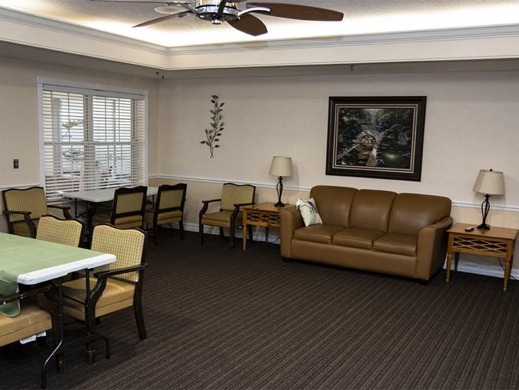 Social Lounge at Savannah Court & Cottage of Oviedo, Florida