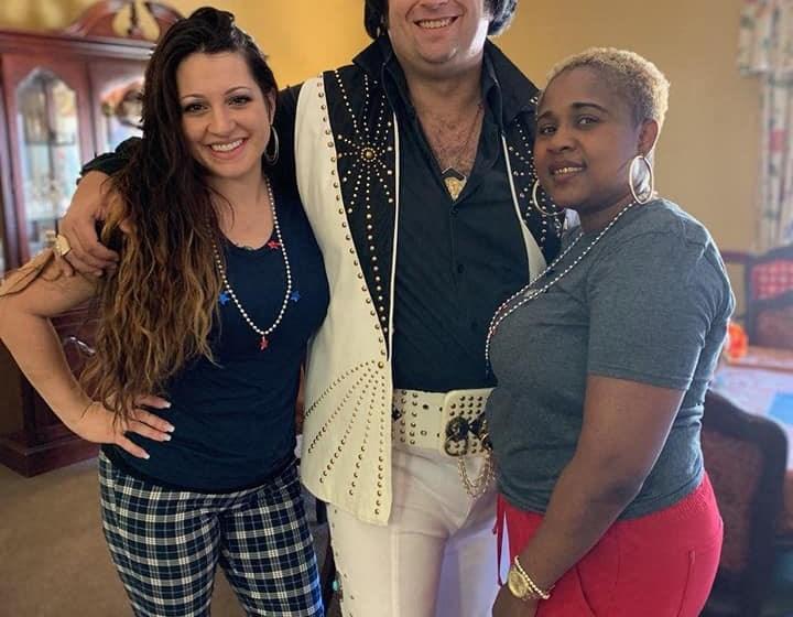 Happy Residents at Savannah Court of Bartow, Bartow, 33830