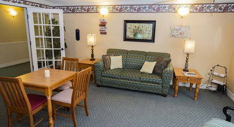 Social Lounge at Savannah Court of Haines City, Haines City, FL, 33844