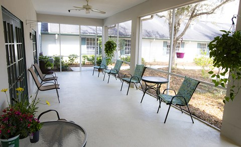 Outdoor Sitting Area at Savannah Court of Haines City, Haines City