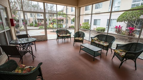 Outdoor Patio Area at Savannah Court of Maitland, Maitland, Florida