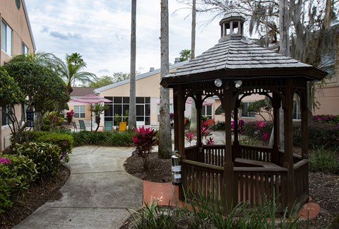 Courtyard Garden With Gazebo at Savannah Court of Maitland, Florida