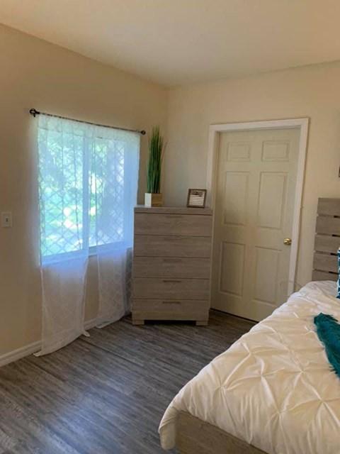 Window Coverings In Bedroom at Savannah Court of St Cloud, St Cloud
