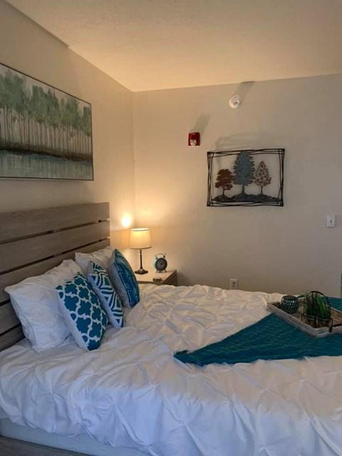 Well Lite Bedroom at Savannah Court of St Cloud, St Cloud, FL