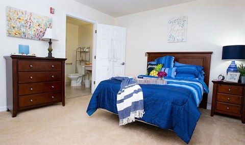 Bedroom with Private Bath at Savannah Grand of Maitland, Florida, 32751