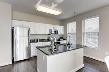 2701 Neabsco Common Place 1 Bed Apartment for Rent Photo Gallery 1