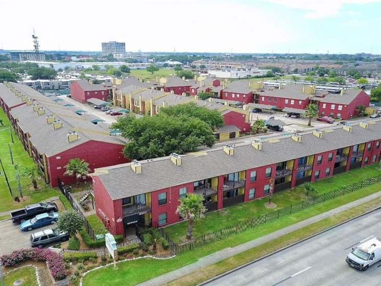 Convenient Mid-Rise Living at Casa Del Sol, Houston, TX