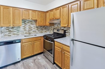 1338 Veterans Highway 1-2 Beds Apartment for Rent Photo Gallery 1