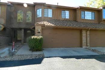12155 W Chenango Dr 2 Beds Townhouse for Rent Photo Gallery 1