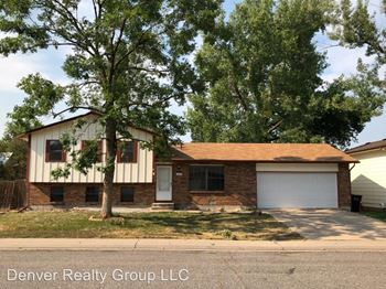 6457 W Kenyon Ave 4 Beds Apartment for Rent Photo Gallery 1