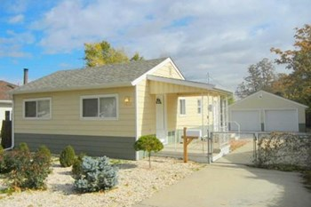 1022 S Newton St 2 Beds House for Rent Photo Gallery 1