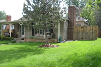 2610 S Vine St 2 Beds House for Rent Photo Gallery 1