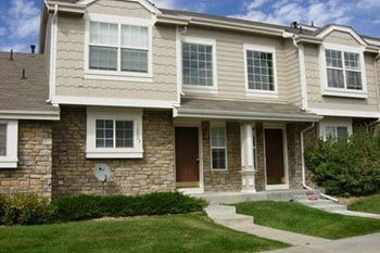 1295 S Zeno Cir Unit B 3 Beds Townhouse for Rent Photo Gallery 1