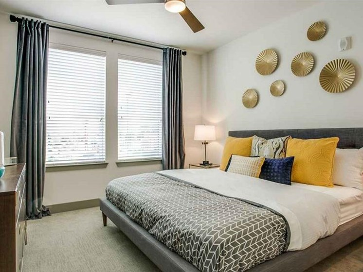 Large Bedrooms with Ceiling Fans