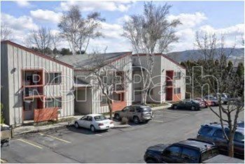 231 Lauder Ave 1-2 Beds Apartment for Rent Photo Gallery 1