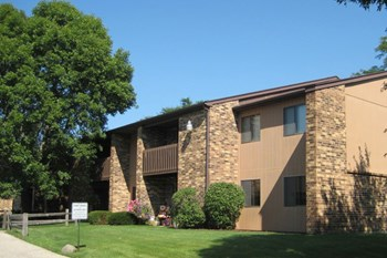 1815 Brittany Place #1 2 Beds Apartment for Rent Photo Gallery 1