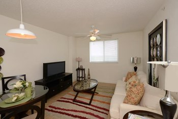 150 NE 79th St 1-3 Beds Apartment for Rent Photo Gallery 1