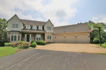 5126 North Kickapoo-Edwards Road 3 Beds House for Rent Photo Gallery 1