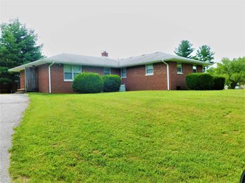 4406 East Deckard Drive 2 Beds House for Rent Photo Gallery 1