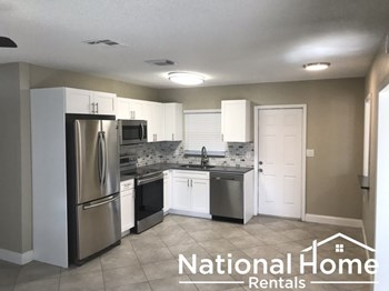 10491 109th St 2 Beds House for Rent Photo Gallery 1