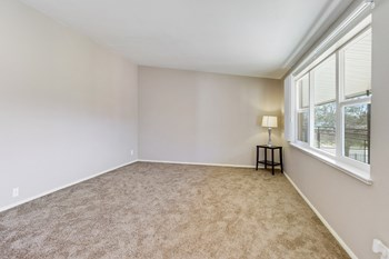 146 Del Mar Circle 2 Beds Apartment for Rent Photo Gallery 1