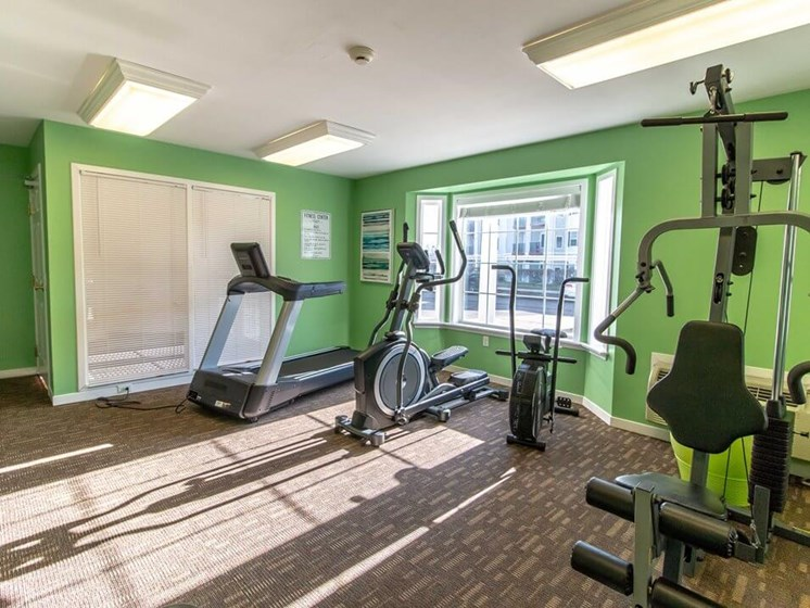Fitness Center- Fairfield Apartments and Condominiums in Fenton, MI
