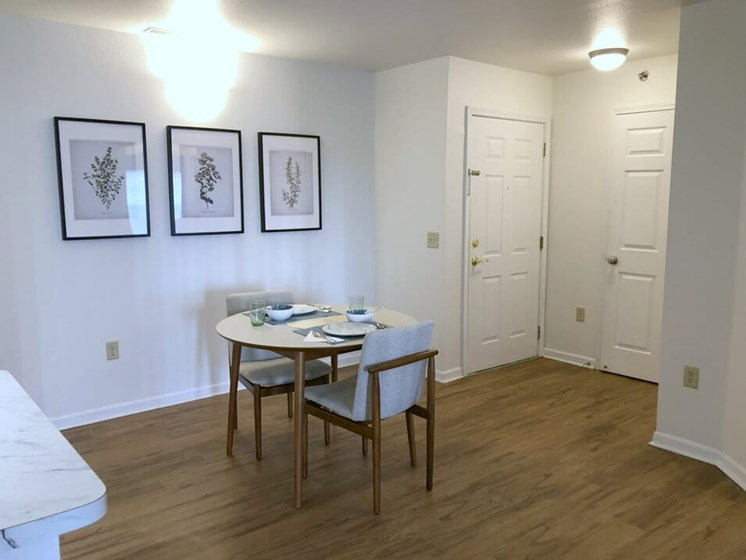 Dining Area- Fairfield Apartments and Condominiums in Fenton, MI