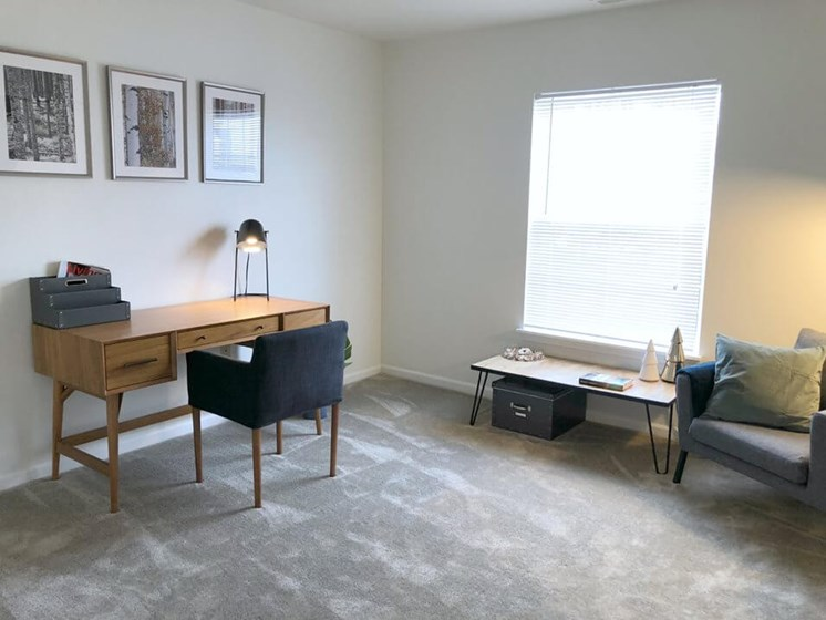 Large Second Bedroom- Fairfield Apartments and Condominiums in Fenton, MI