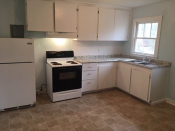 712 Coffee Street 2 Beds House for Rent Photo Gallery 1