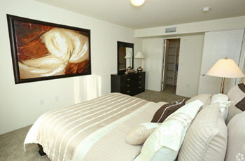 1970 River Rd 1 Bed Apartment for Rent Photo Gallery 1