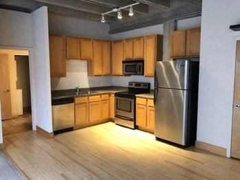 1300 Convention Plaza Studio-1 Bed Apartment for Rent Photo Gallery 1