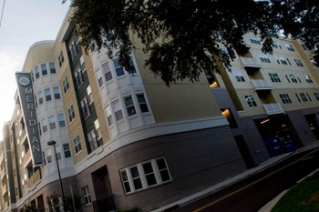 802 Lakeland Drive 1-3 Beds Apartment for Rent Photo Gallery 1
