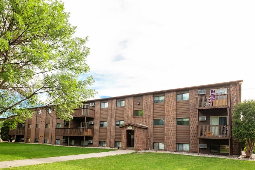 Maplewood Bend Apartments   Fargo, ND