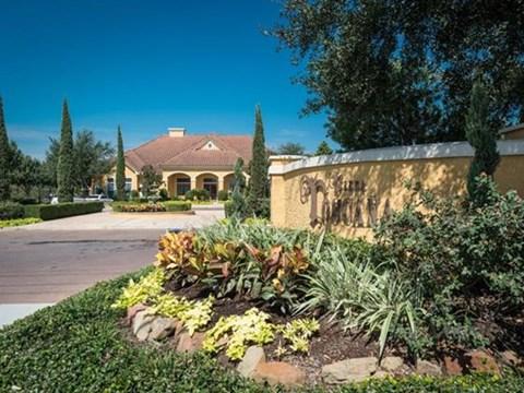 Villa Toscana Apartments|Entrance