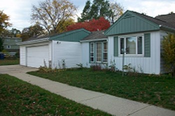 4905 N. 74th Street 3 Beds House for Rent Photo Gallery 1