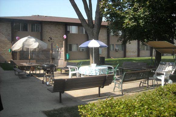 Elizabeth Court Apartments photogallery 1