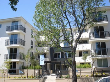 833 N. Edinburgh Avenue 2-4 Beds Apartment for Rent Photo Gallery 1