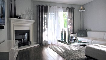 1240 S. Sherbourne Drive 2-3 Beds Apartment for Rent Photo Gallery 1