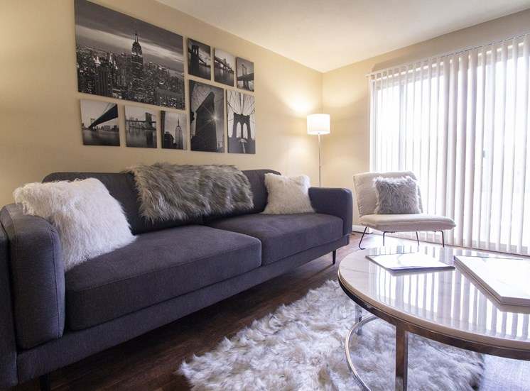 This is a photo of the living room of a 560 square foot, 1 bedroom apartment at Aspen Village Apartments in Cincinnati, OH.