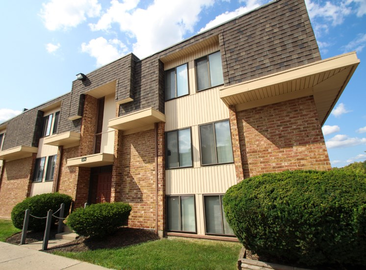 This is a photo a building exterior at Wyoming Hills Apartments in Dayton, OH.