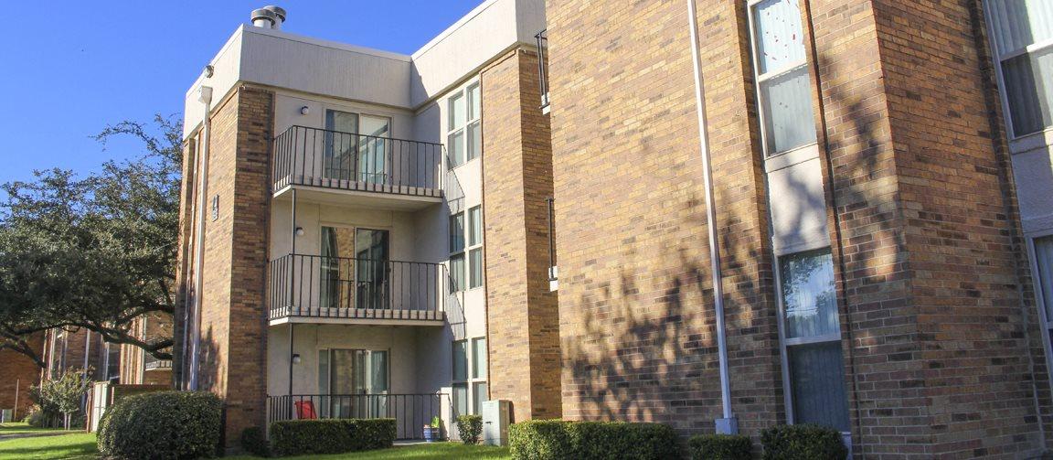 cambridge court apartments in dallas tx