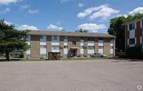 4311 North Grand River Avenue 1-2 Beds Apartment for Rent Photo Gallery 1