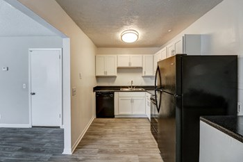 914 Winthorne Dr 2 Beds Apartment for Rent Photo Gallery 1